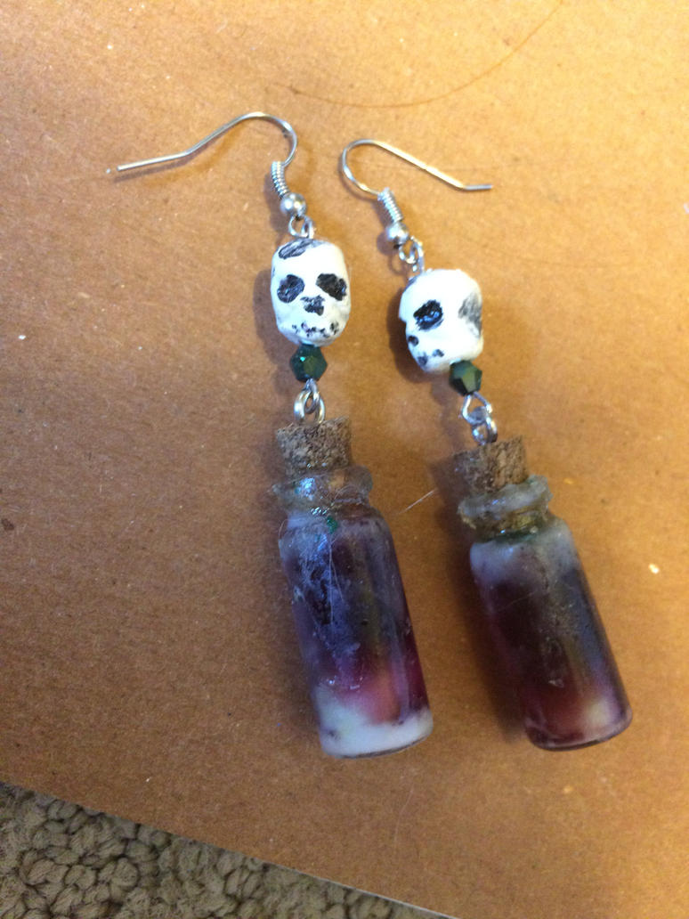 Halloween earrings by DivineNightShade