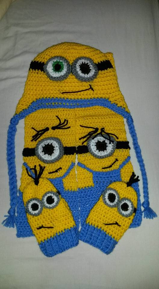 Bob, Kevin and Stuart, Hat, Scarf and Mitten set. by DCoath