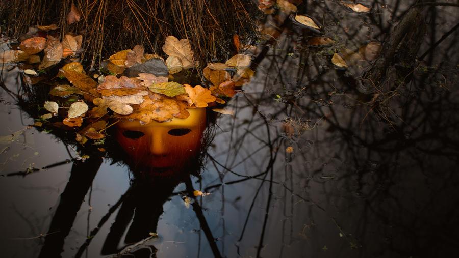 Das Gesicht Im Wasser by jant-photo