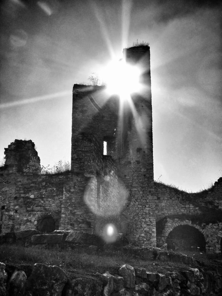 ruin... by TommiRis