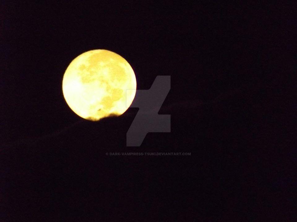 Moon before eclipse by Dark-Vampiress-Tsuki