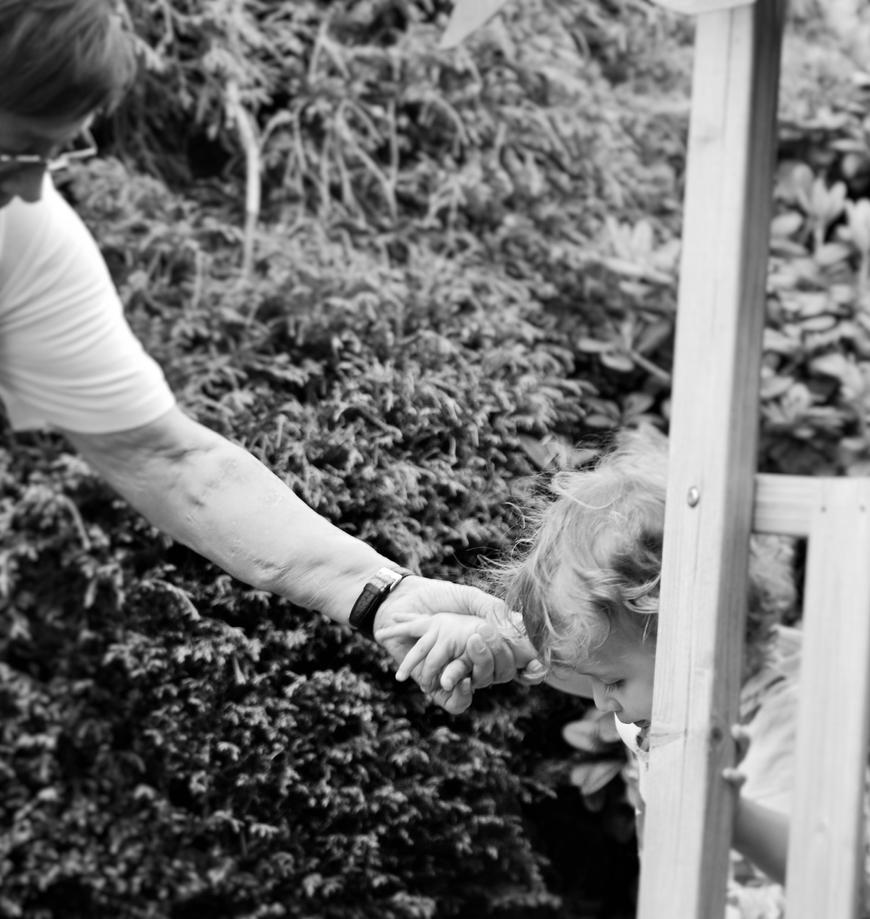 Grandmas Help by KariEverdeen