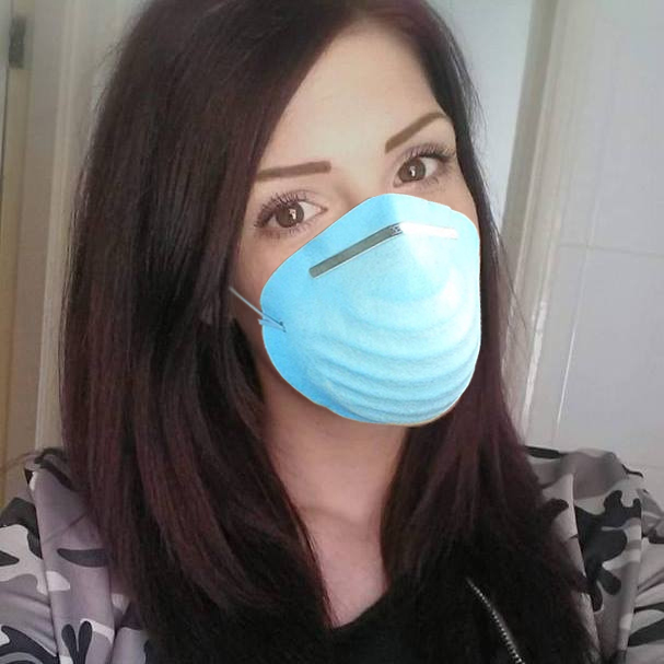 Kerrie Forbes Wore a Flu Mask