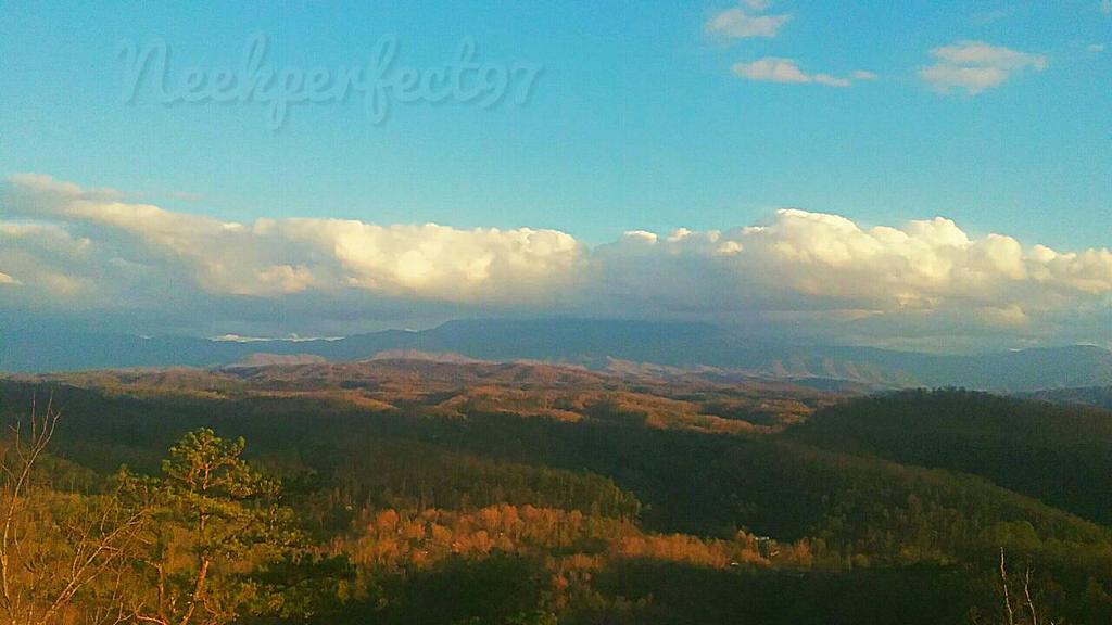 Smokey Mountains by Neekperfect97