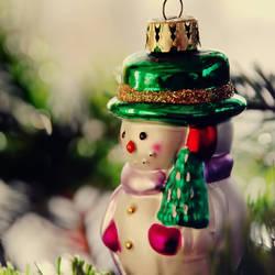 Small little snowman by BlueColoursOfNature