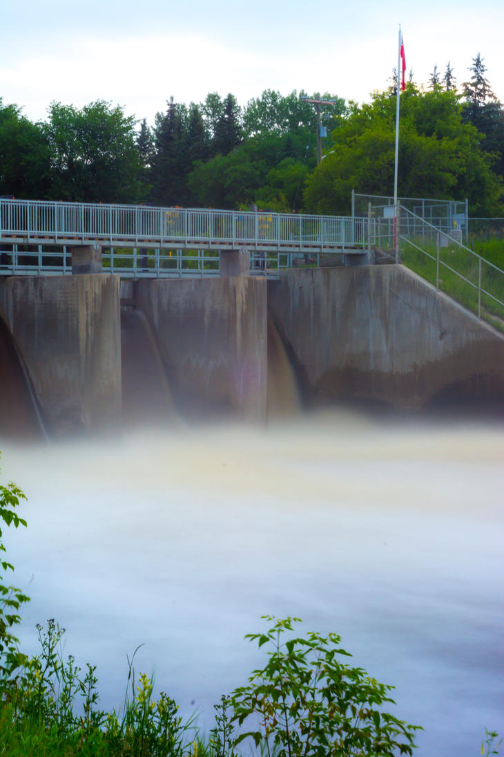 Minnedosa Dam on the Little Saskatchewan River by sokolovic1987