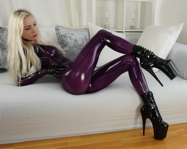 Shiny legs pics