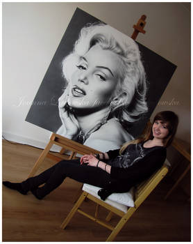 Pencil portrait of Marilyn Monroe - studio view