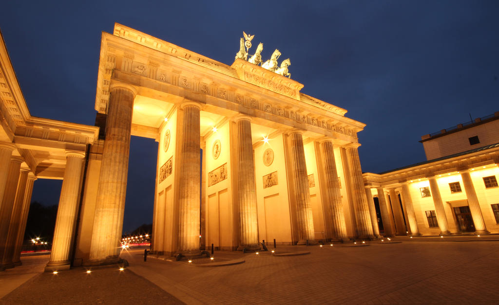 Brandenburger Tor by IndependentlyConceal