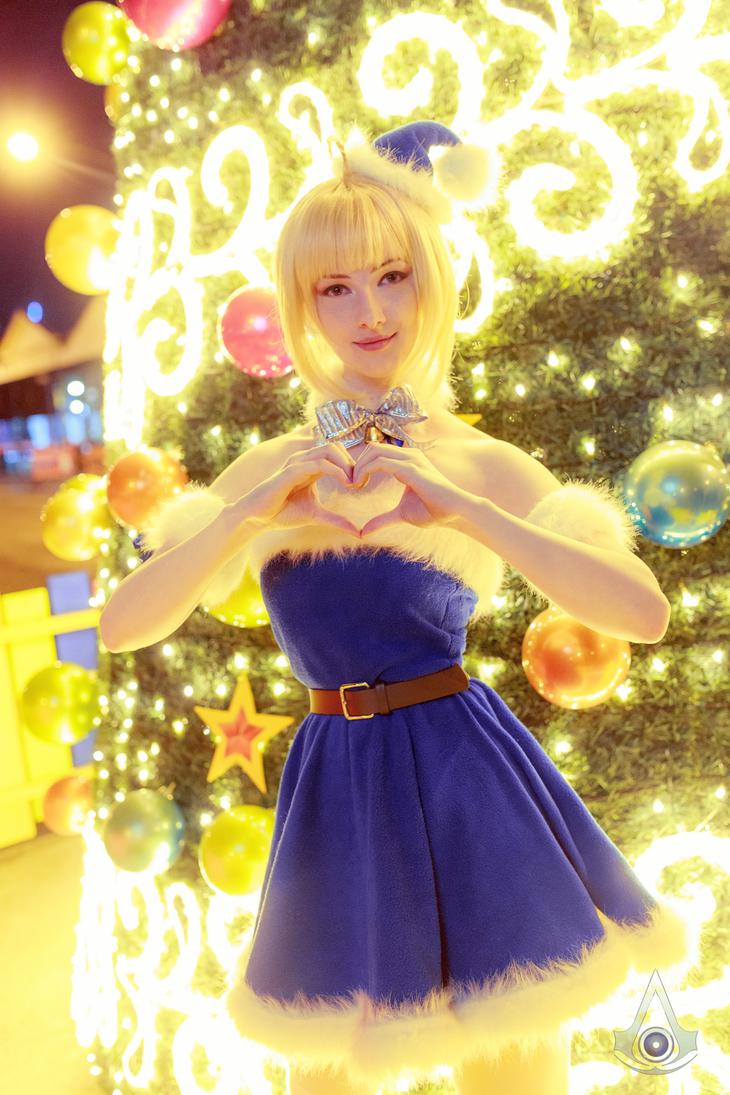 Christmas Saber IV by Ettelle