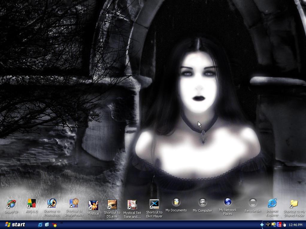 My desktop by tatteredsoul