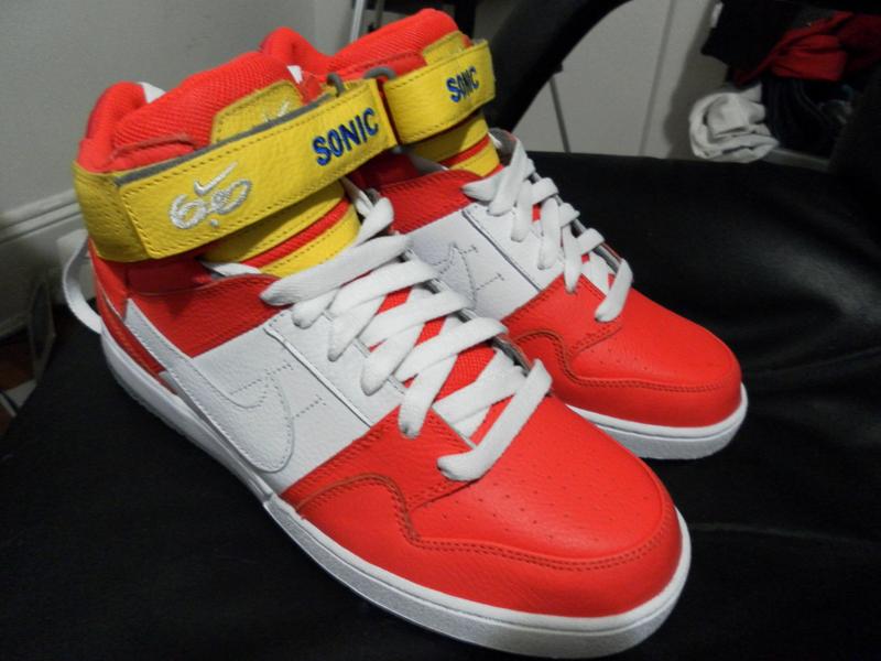 Sonic Tennis Shoes