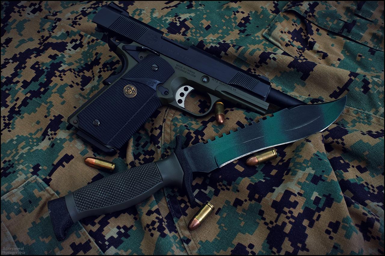 Colt 1911 and knife by Dj-TheKiller
