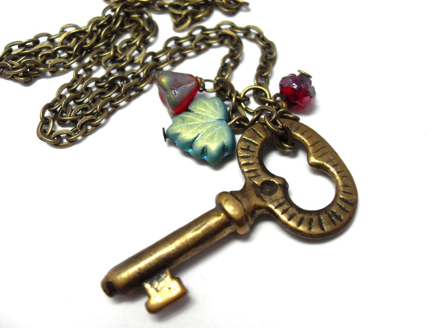 Antique Key Rose Garden Necklace by sojourncuriosities