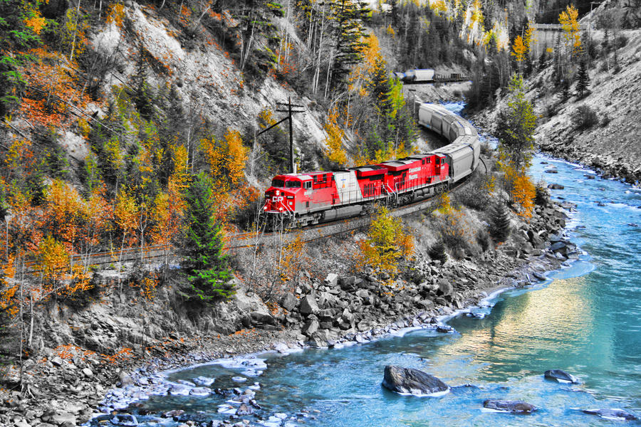 Train in the Canyon by skip2000