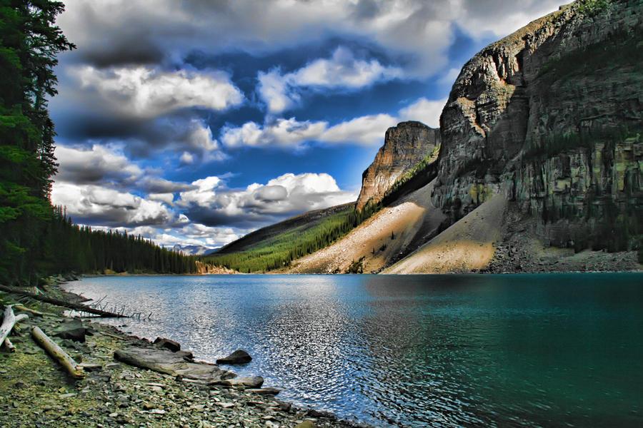 Moraine Lake Alberta by skip2000