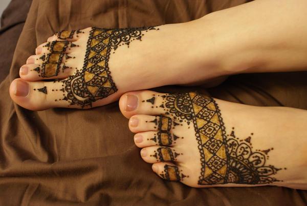 Tara's Henna'd Foot by Sekhmet-the-eye