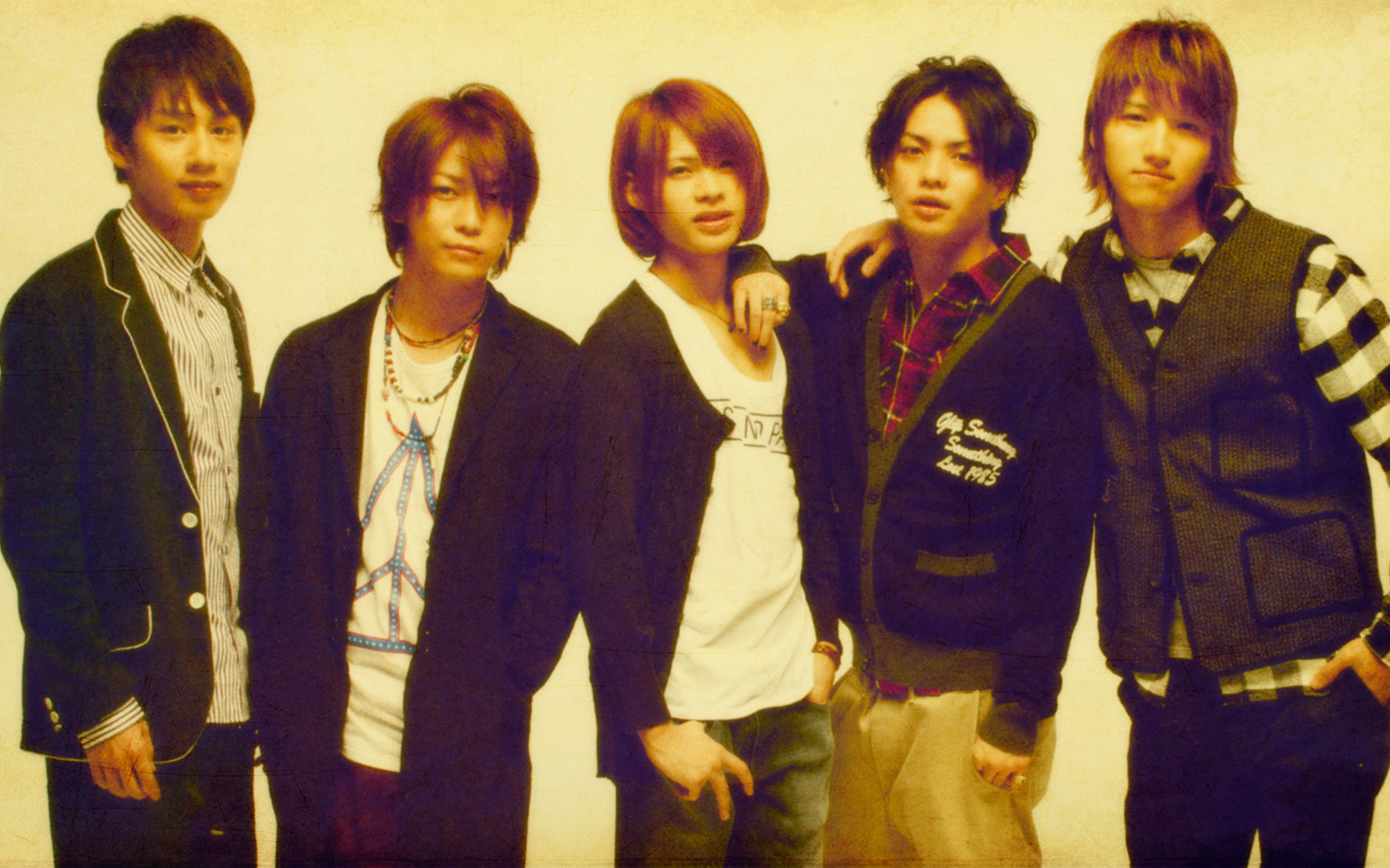 KAT-TUN (カトゥーン Katūn) is a Japanese boy band formed by Johnny   Associates  (Johnny s) in 2001. The group s name is an acronym based on the first  letter ... 57bb6731d8