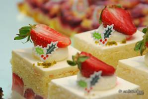 Strawberry Shortcake Slices by shobehikaru