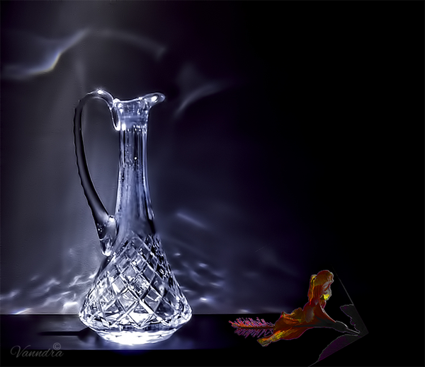 Decanter in Light by vanndra