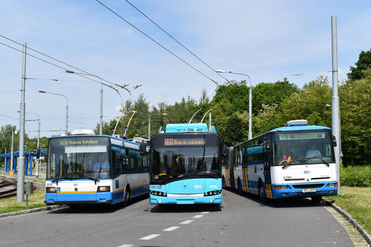 Skoda 21Tr + Skoda 26Tr + Karosa B961E