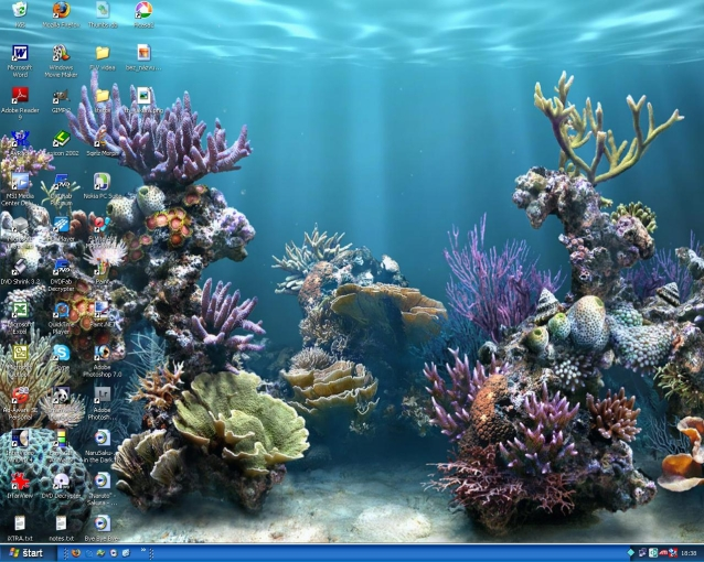 my newest desktop :D by daniellawhiteenergy