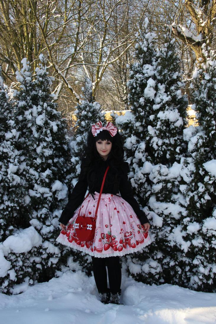 Snow Fairy by SayuSasu