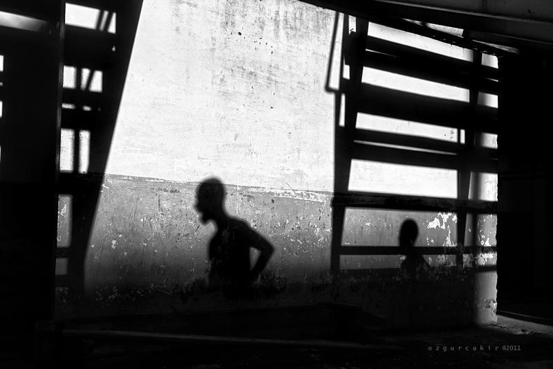 las sombras corriendo by oscarsnapshotter