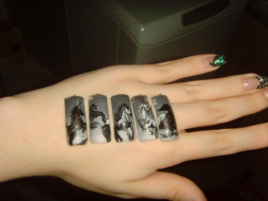 Horse nail art by MesiaszCiszy - Animals Nail Art By MesiaszCiszy On DeviantArt