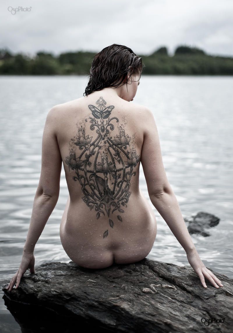 Kaisa - the tattoo and the lake. by OsaPhoto