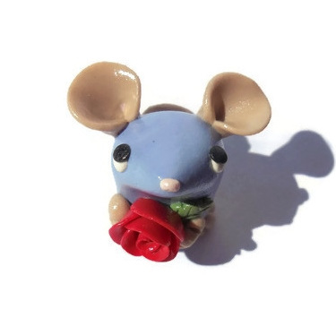 Purple mouse with a rose sculpture by TrufflesAndTrinketsE
