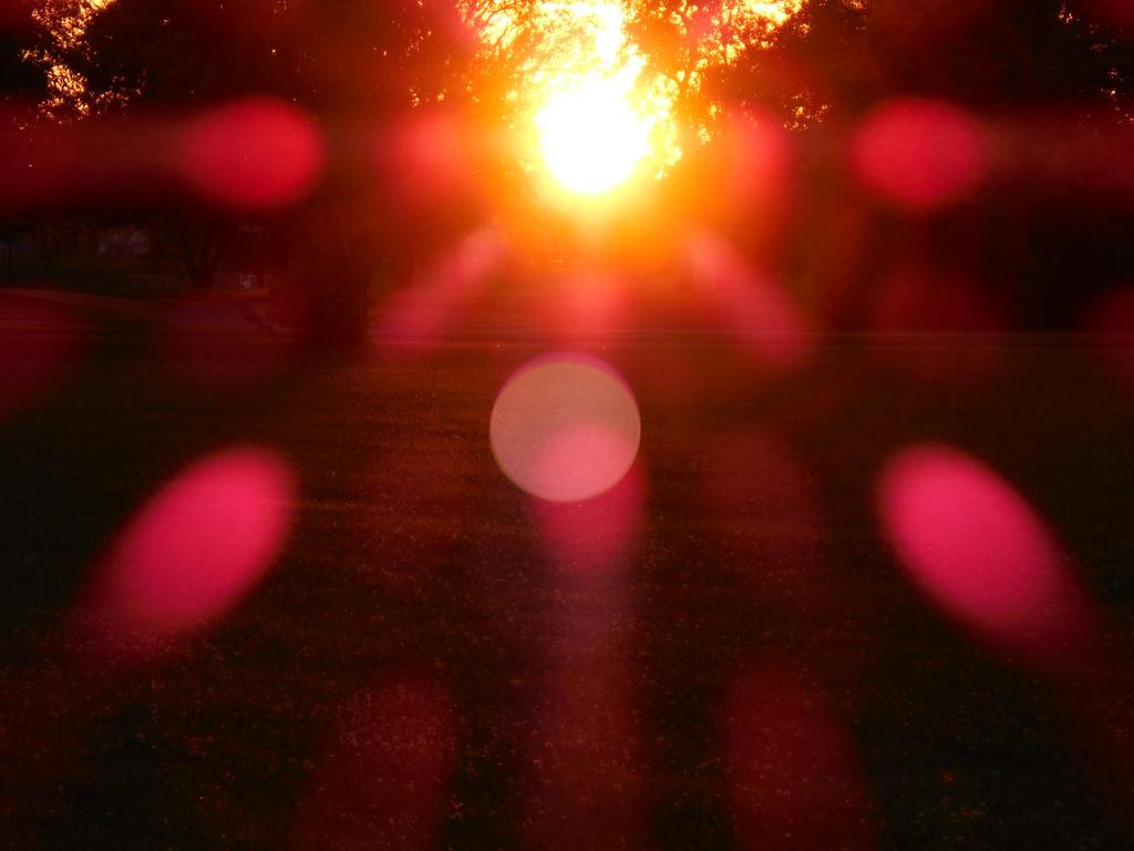 Sun Aura by syn-freek