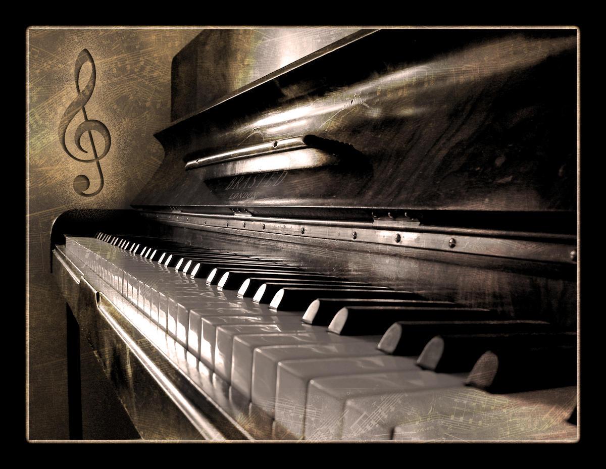 external image Piano_by_TheDigitalVee.jpg