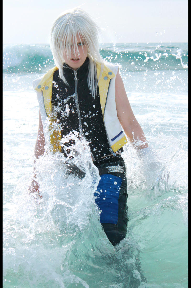 Riku - Break the Wave by NanjoKoji