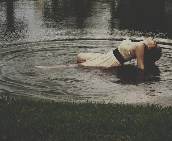 When I awake by Soyismyhomeboy - [LoneLy _day ] bunLarda benden