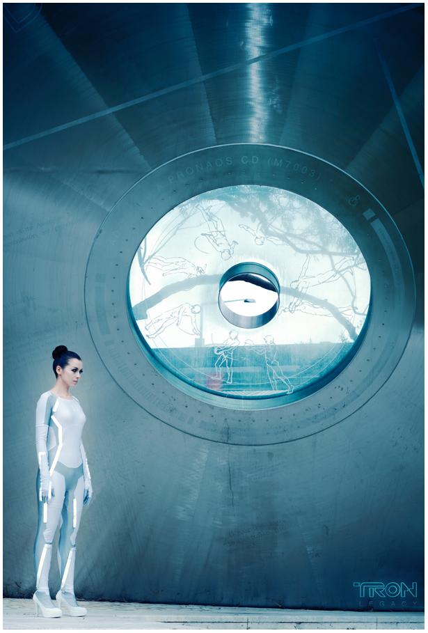 TRON: Legacy - Siren 02