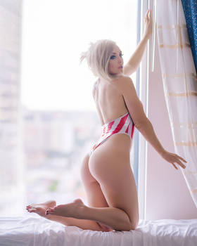 Jessica Nigri - Swimsuit