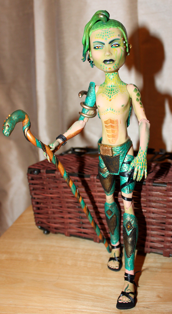 Deuce Gorgon completed repaint by bandeau