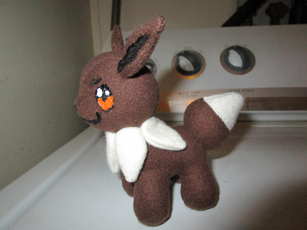 3-4 inch eevee by kaistermaister