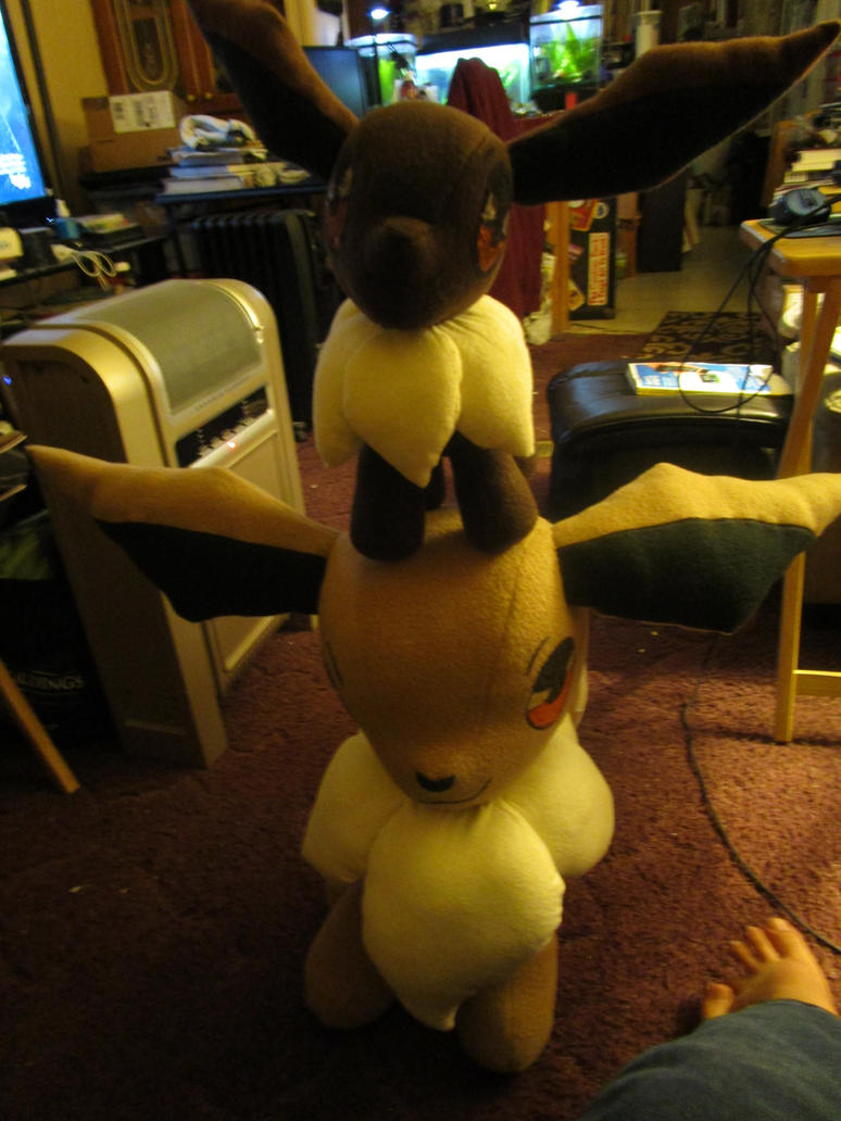 big with Giant eevees!!! by kaistermaister