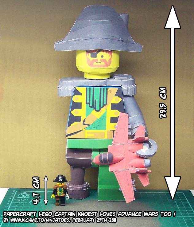 papercraft LEGO pirate size by ninjatoespapercraft