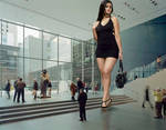 Hot  giantess at  the museum