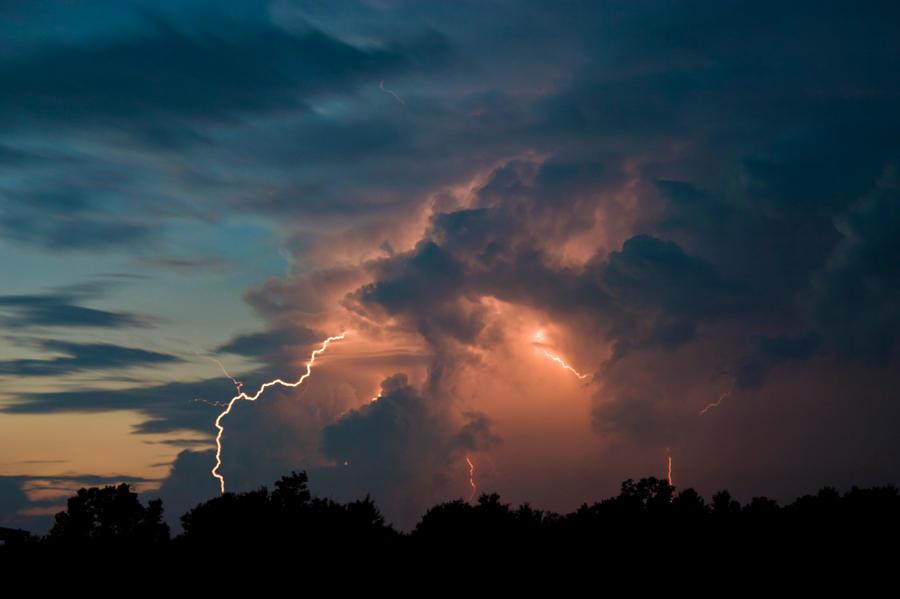 Lightning at Dusk 1 by LakeFX