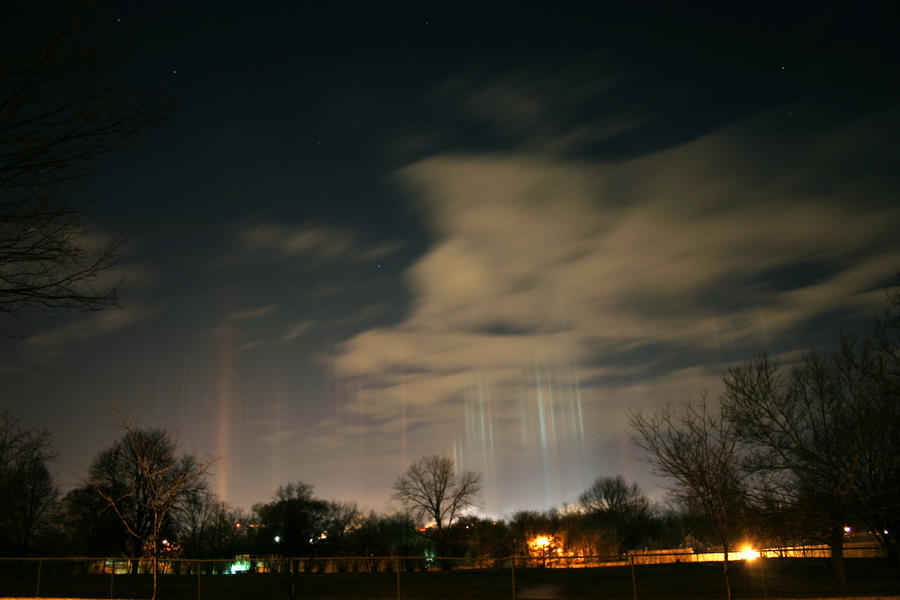 Light Pillars- False Aurora by LakeFX