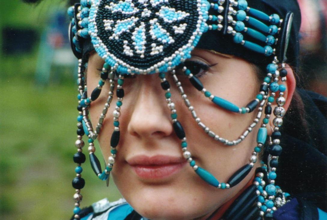 Indijanci na fotografiji i slici - Page 2 Native_American_Beauty_by_XGREATLOVEX