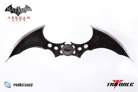 Batarang by Master-of-the-Boot