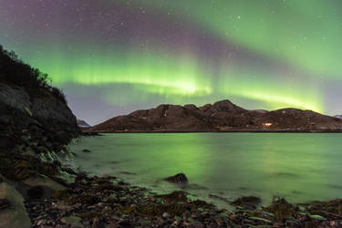 Aurora borealis on a chilly evening by Dirhael