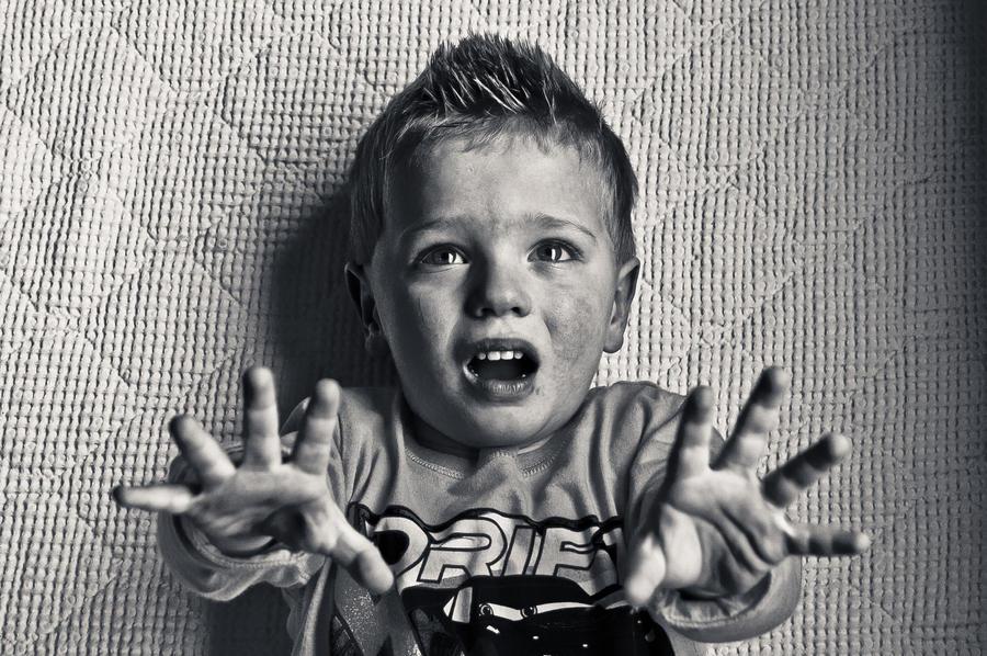 Картинки по запросу crying child