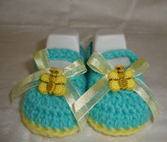 BeeHappy baby Mary Janes by Crochet-by-Clarissa