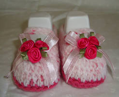 Strawberry Roses baby Mary Janes by Crochet-by-Clarissa